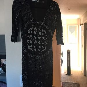 Black with pattern fitted dress